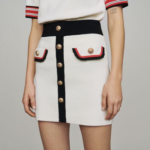 Jupe courte en maille bloquée : Jupes & Shorts couleur ECRU