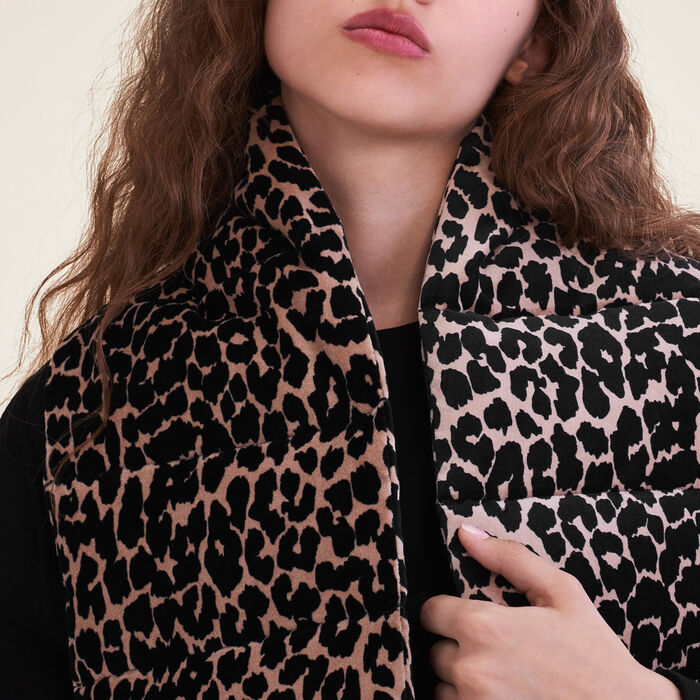 Echarpe matellassée imprimée léopard -  - MAJE