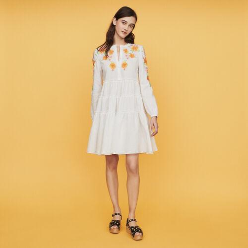 Robe en lin avec broderies : Robes couleur BLANC