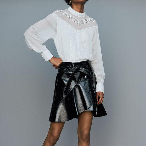 Jupe asymétrique en cuir vinyle : Jupes & Shorts couleur Black