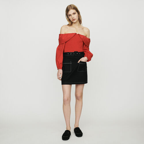 Jupe courte avec jeux de surpiqures : Jupes & Shorts couleur Black