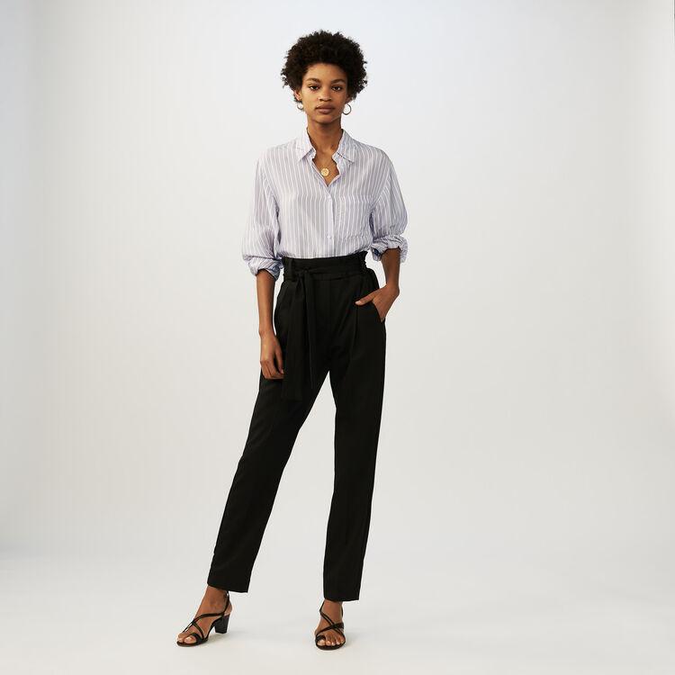 Pantalon carotte avec ceinture : Pantalons couleur Black