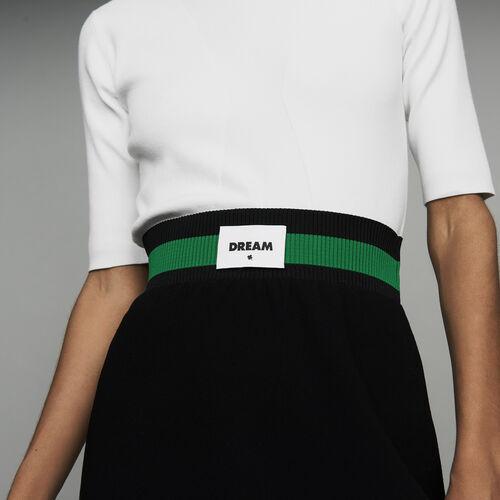 Jupe courte en crêpe esprit sportswear : Jupes & Shorts couleur Black