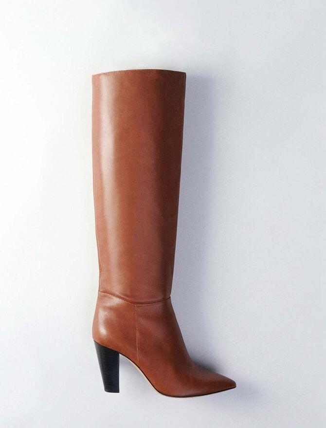 Bottes droites à talon en cuir lisse - Toutes les chaussures - MAJE