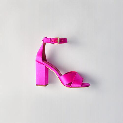 Sandales à talon en satin : Campagne FW19 couleur VERT