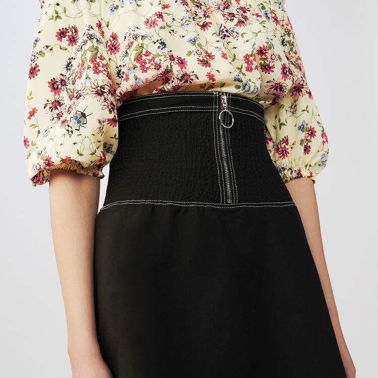 Jupe courte smockée en coton Stretch : Jupes & Shorts couleur Black